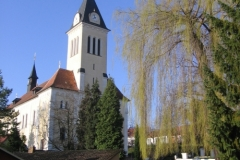 Fotky kostela, fary a sochy sv. Jana Nepomuckého